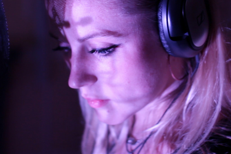Live session music video for Remedy by LUUNA